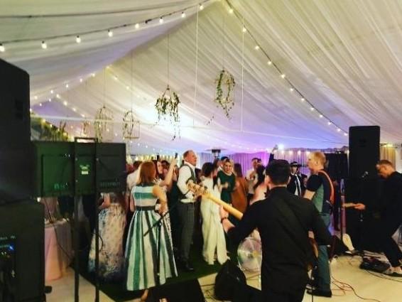 Свадьба максима киселева квн фото