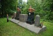 Родовое захоронение братьев Евгения и Владимира Олениных