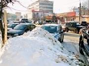 В снег Смоленска уже зарыли 6 миллионов рублей