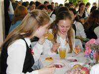 Школьное питание в Смоленске до сих пор не в своей тарелке?