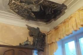 Смоленск. Про дыру в потолке, чердачную балку на холодильнике и сквозную щель в стене