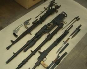Житель Смоленска хранил в гараже целый арсенал оружия