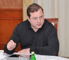 Алексей Островский: «Поставить свои амбиции ниже интересов области»