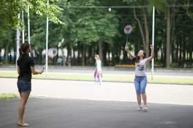 В Смоленске на площади Ленина продолжает работать территория активного отдыха