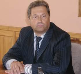 Виктор Маслов после выборов освободит кресло сенатора