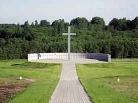 В Духовщине открыли немецкое кладбище