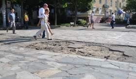 Улица Октябрьской революции ждет ремонта