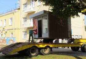 В Смоленске продолжают переносить незаконно установленные ларьки