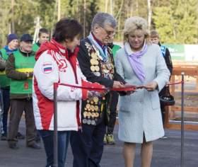 Лыжероллерную трассу в Смоленской области открыл легендарный биатлонист Александр Тихонов