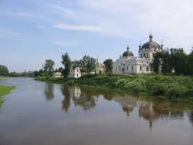 В Гагарине возобновились богослужения в Благовещенском соборе