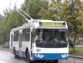 Долгожданный троллейбус «забуксовал»