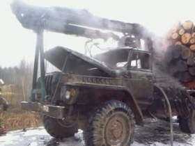 В Холм-Жирковском районе загорелся «Урал»
