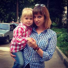 """Самые прекрасные мамы смоленской полиции: фотовыставка """"Моя мама - полицейский"""""""