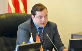 Губернатор Алексей Островский призвал депутатов горсовета сохранить льготы бюджетникам
