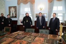 В Смоленск вернули древние иконы