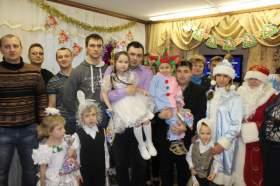 Смоленские атомщики подарили новогодние подарки детям