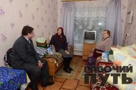 Губернатор Алексей Островский нанес рабочие визиты в ряд соцучреждений Смоленской области