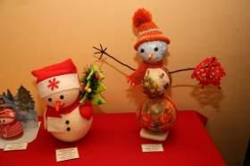 В смоленском музее «В мире сказки» работает выставка снеговиков