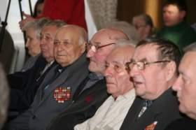 Политики поздравили смоленских ветеранов