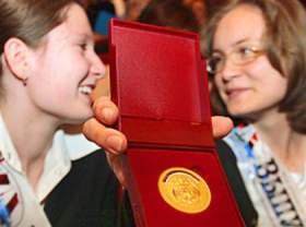 Смоленских школьников не оставят без медалей