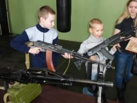 Смоленских ребят учили самообороне