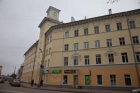 Коммунальные кандалы: по 30 тысяч с квартиры
