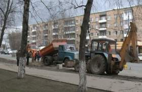 Смоленские коммунальщики устранили аварию на улице Кирова