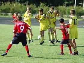 Смоленские юноши завоевали награды на весенних футбольных турнирах