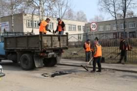 Погода мешает смоленским коммунальщикам работать в круглосуточном режиме