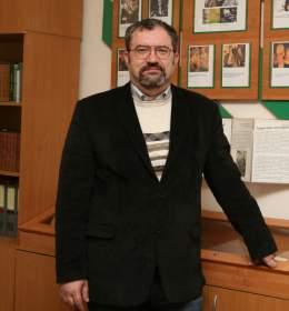 Владимир Карнюшин назначен директором Кардымовской школы