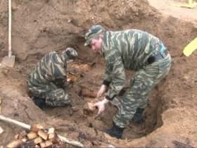 Смоленские взрывотехники ОМОН обезвредили взрывчатку времен Великой Отечественной войны