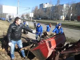 В Смоленске прошел «партийный» субботник