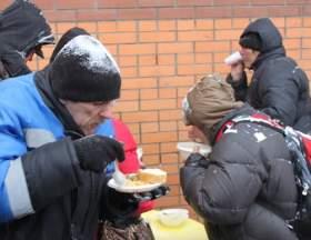 Смоленским бездомным помогут