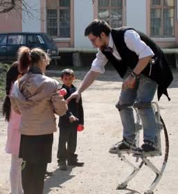 Смоленский театр SUB ROSA поздравил детей-сирот с праздником Пасхи