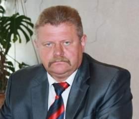 Глава администрации Холм-Жирковского района не хочет разговаривать о своей отставке