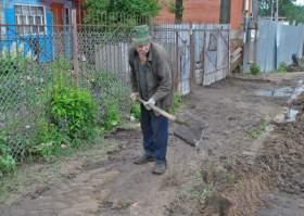 В Смоленске продолжают устранять последствия стихии