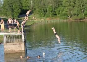 В Смоленске начало мелеть Реадовское озеро