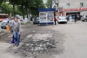 «Останки» ларьков в Смоленске убирать пока не собираются