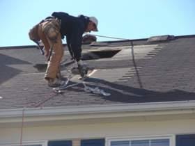 На ремонт крыш, пострадавших от ливня в Смоленске, выделили 2 миллиона рублей