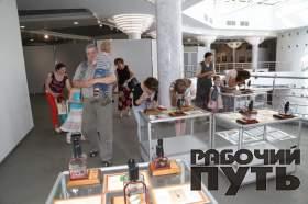 В культурно-выставочном центре имени Тенишевых прошла специальная благотворительная акция для многодетных семей города Смоленска