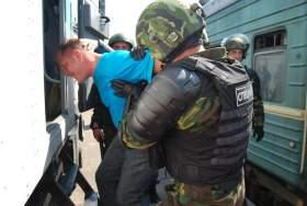 Смоленские силовики провели учения по подавлению бунта осужденных