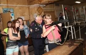 Журналистам показали, как готовят смоленских полицейских
